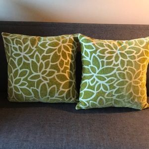 Pier 1 set of two chenille throw pillows floral